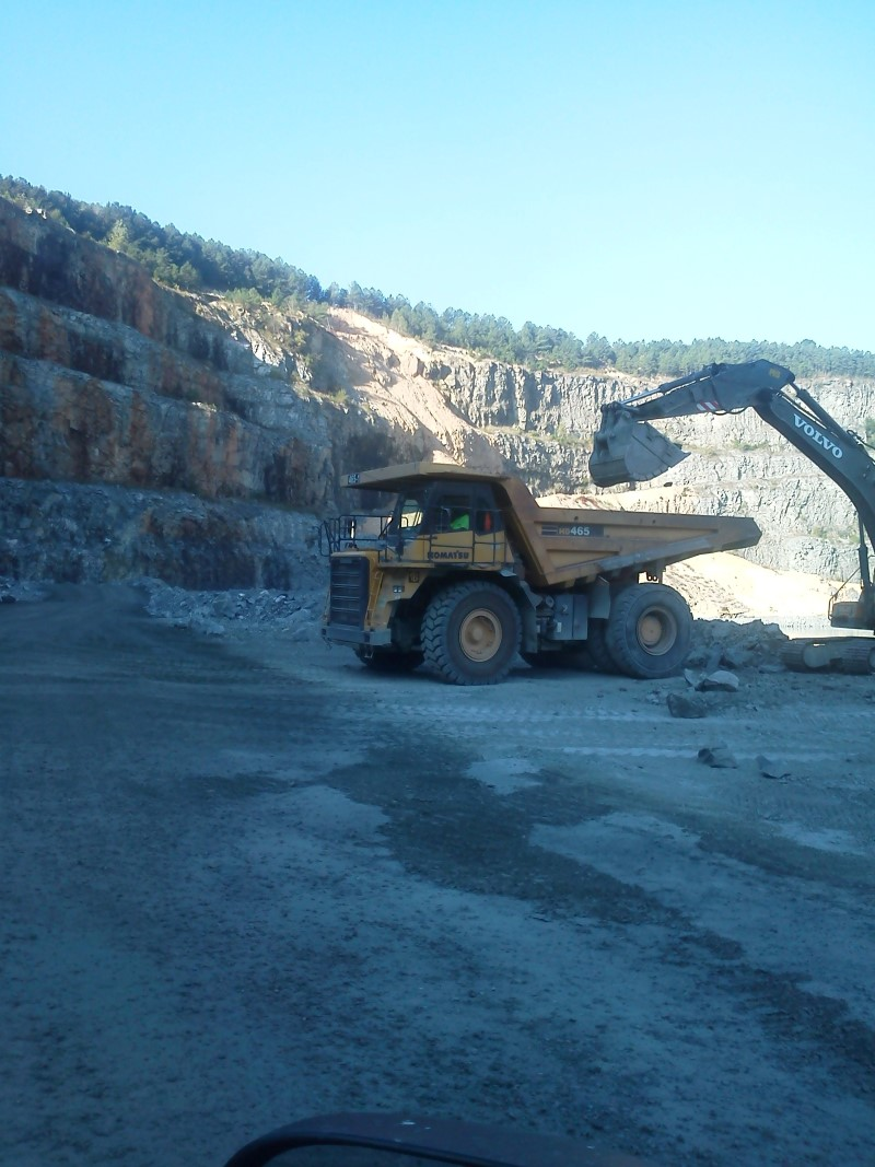 Kenneth-Taylor-being-loaded-Macon-USA-Aggregates